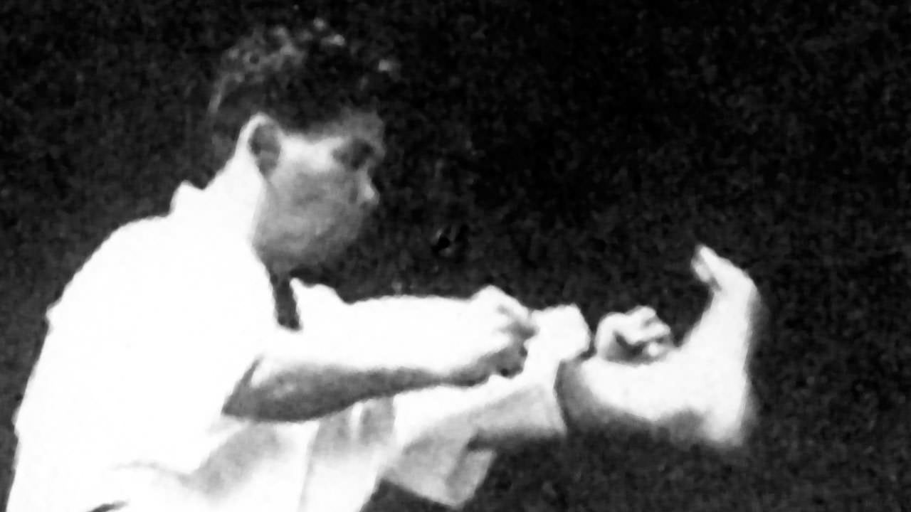 the history of shotokan karate The vision of the iskf founders was to promote traditional shotokan karate-do as described in the teachings of the dojo kun and niju kun master gichin funakoshi, the founder of modern shotokan karate, wrote the dojo and niju kuns not only as a guide to practicing karate, but also as a guide to everyday life.